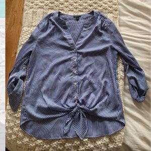 Ann Taylor front tie silky top